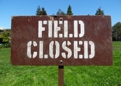Main thumb field closed sign