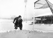 Main thumb pa photos t 17 brilliant photos football snow 3011j
